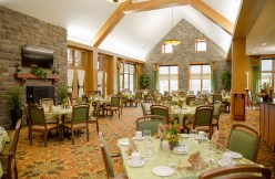 Dining at Country Meadows of Forks