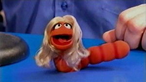 From the Super Bowl to Sesame Street – Carrie Underwood becomes Carrie Underworm