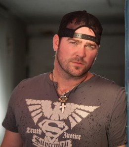 "Lee Brice – ""Love Like Crazy"" breaks into Top 30"