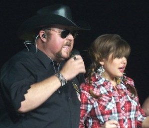 Get ready to line dance with Colt Ford, don't know what to do? We'll teach you