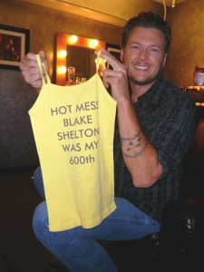 Blake Shelton Helps Chelsea Handler celebrate her 600th show