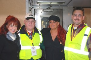 Wynonna and Naomi Judd on board the 2010 Santa Train