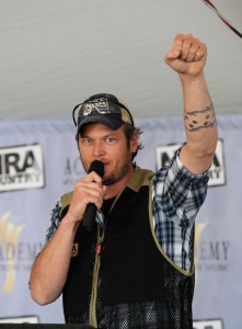 Blake Shelton hosted Inaugural NRA Country/ACM Celebrity Shoot