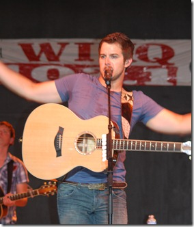 Easton Corbin 079