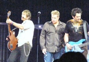 Rascal Flatts releasing their first-ever full-length Live album on Nov. 8, 2011