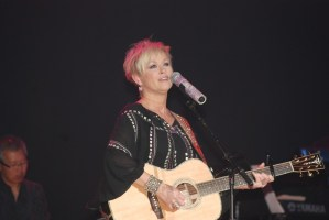 Lorrie Morgan in Johnson City, Tenn., with opening act The Wright Kids