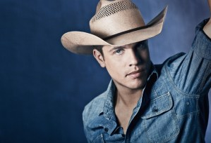"Broken Bow Records introduces ""Cowboys and Angels"" singer, Dustin Lynch"