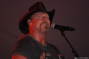 "Trace Adkins is ""This is NRA Country"" artist of the month and featured in Good Housekeeping January issue"