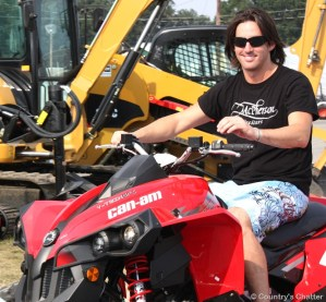 Jake Owen's Friday the 13th tumble took him to Tuesday the 17th surgery