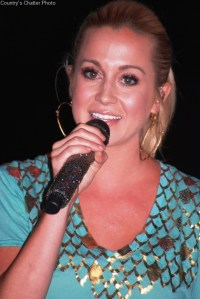 Kellie Pickler partners with Conagra Foods Foundation & Feeding America to Fight Child Hunger