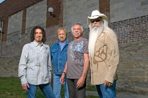 Oak Ridge Boys respond to call to serenade President George H.W. Bush while recovering