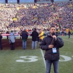 Craig Campbell sings anthem at Packers game