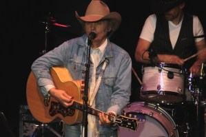 Dwight Yoakam back at the Ryman on April 12