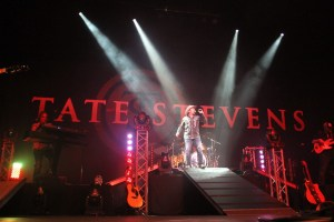 Tate Stevens celebrates release of new album with sold out Kansas City show