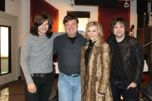 The Band Perry Joins Lon Helton as Co-Hosts of Country Countdown USA