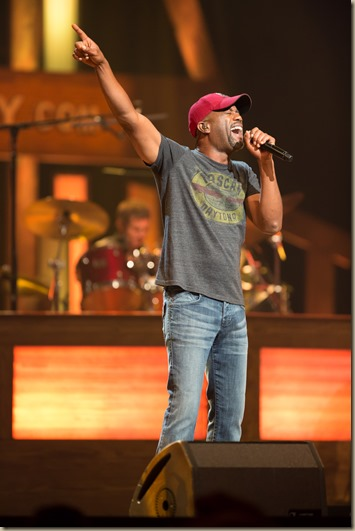 Darius_Rucker_Tour 2013_by_Chris_Hollo_0715_10-2-12