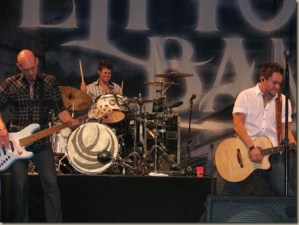 Eli Young Band premier video for Dust on VEVO
