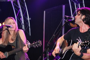 Help Haley & Michaels get into CMTs Top 12 Countdown!