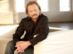 """Travis Tritt Releases New Single, """"That's What Dreamers Do"""""""