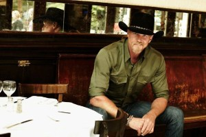 Trace Adkins heading out on tour on Valentine's Day