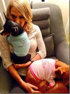 Carrie Underwood sends birth announcement to fans via Twitter