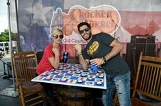 Kellie Pickler and Thomas Rhett captain teams for Cracker Barrel Old Country Store Country Checkers Challenge