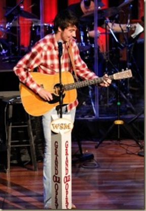 Mo Pitney opry