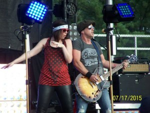 Thompson Square brings their great concert to Fun Fest stage