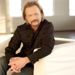 Travis Tritt Responds To Fire Surrounding His Residence