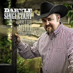 Daryle Singletary brings his country music to Ole Smoky Moonshine in Pigeon Forge