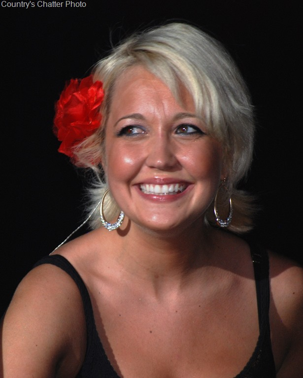 Meghan Linsey Will Be Special Guest On 2015 CSX Santa