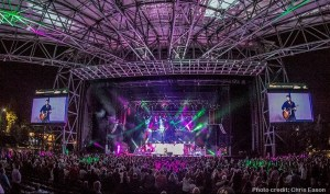 Chris Young treats audiences to new music during tour last weekend