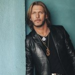 Craig Wayne Boyd uses Halloween decorations to give fans special news