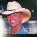 Kenny Chesney Spreads The Love