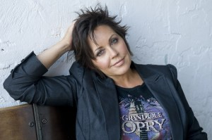 Kelly Lang releases Throwback, with special guests Lee Greenwood, Olivia Newton-John and Paul Shaffer