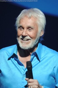 Kenny Rogers announces 35th annual and final Christmas and Hits tour