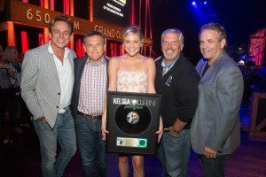 Kelsea Ballerini earns Gold with Top 10 single, Peter Pan