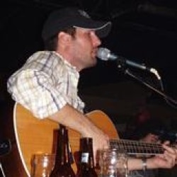 """Brand New Music Video from Casey Donahew – """"Kiss Me"""""""