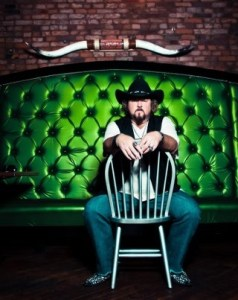 """Colt Ford Finds His Voice on """"4 Lane Gone"""""""