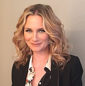 Jennifer Nettles selected to sing National Anthem at the Battle at Bristol