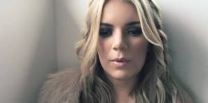 Country artists Chelsea Gill and David Ray spread holiday cheer in new video