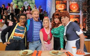 "In Case You Missed It: Kellie Pickler On ABC's ""The Chew"""