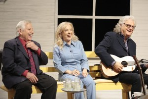 """Merle Haggard's Legacy Celebrated On New """"Country's Family Reunion"""" Episodes In November With John Conlee, Mark Wills, Vince Gill, Bobby Bare & More"""
