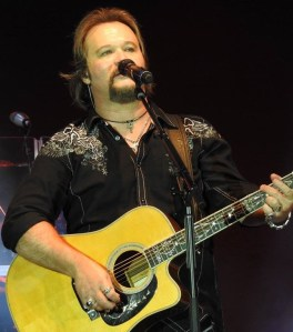 Travis Tritt's A Man and His Guitar – Live From The Franklin Theatre 2-Disc CD Set and DVD Now Available