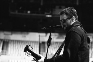 Eric Church Holds His Own on 2017 Solo Tour