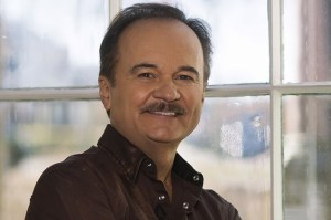 Country Music Hall of Fame Singer Jimmy Fortune Hits the Road in 2017 for North American Tour for 40-Plus City Tour
