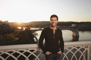 Josh Turner's New Album DEEP SOUTH Out March 10