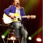 Travis Tritt warms up a cold winter night with his  A Man and His Guitar acoustic show at Paramount Theater