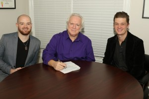 Country Hit Maker T. Graham Brown Signs with ArtistLive Agency for Booking Representation
