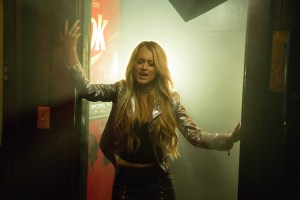 """Brooke Eden premiered """"Act Like You Don't"""" music video on CMT Hot 20 Countdown"""